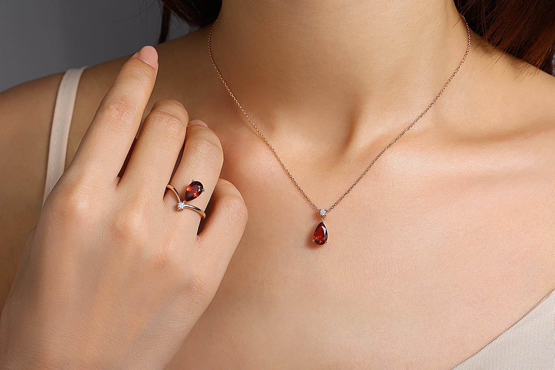 Parure or rose diamant grenat