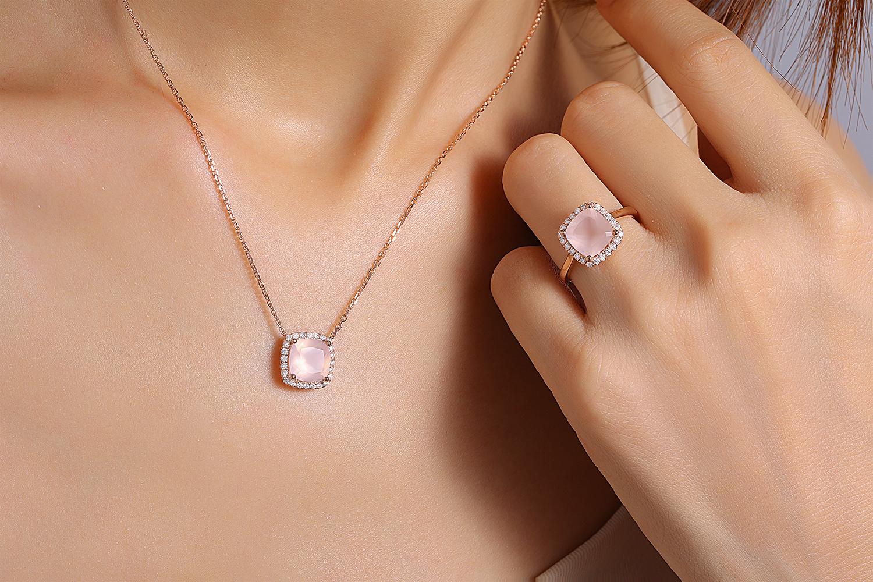 Collier or rose diamants quartz